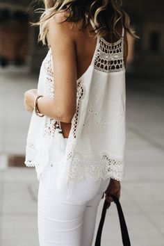 White summer crochet lace top and white skinny jeans