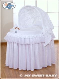 Baby Crib Designs, Baby Design, Baby Bassinet, Baby Cribs, Little Princess, Baby Baskets, Moses Basket, Dream Baby, Baby Room