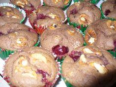 Meggyes-diós muffin Halmai Réka receptje Muffin, Cookies, Breakfast, Desserts, Cupcake, Dios, Crack Crackers, Morning Coffee, Tailgate Desserts