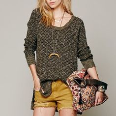 FREE PEOPLE Honeycomb Mix Pullover Sweater Free People Honeycomb Mix sweater. -Olive green. -Size XS (Fits a Small as well) -In great condition, some slight pilling.  No Trades. Please make all offers through offer button. Free People Sweaters