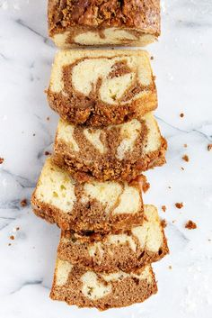 Cinnamon Swirl Pound Cake Load Cinnamon Swirl Pound Cake Loaf – This Cinnamon Swirl Pound Cake Loaf is vanilla pound cake, combined with a cinnamon swirl and a crunchy brown sugar and cinnamon topping. Food Cakes, Cupcake Cakes, Bundt Cakes, Cupcakes, Layer Cakes, Cinnamon Loaf, Cinnamon Desserts, Cinnamon Swirl Cake, Vanilla Desserts