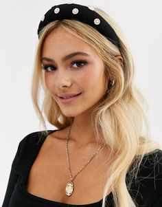 Buy Pieces velvet and pearl flower hairband at ASOS. With free delivery and return options (Ts&Cs apply), online shopping has never been so easy. Get the latest trends with ASOS now. Blonde Balayage, Blonde Hair, Hairband Hairstyle, Make Hair Grow, Hair Wax, Asos, Hair Strand, Good Hair Day, Pearl Hair