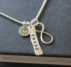 infinity necklace from The Silver Wren on Etsy - personalised gifts