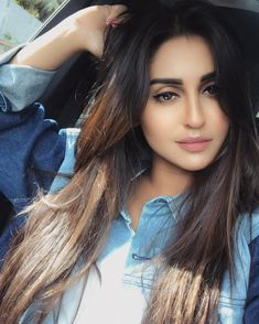 Super Hot Krystle D'Souza upcoming diva of bollywood Beautiful Girl Photo, Beautiful Girl Indian, Beautiful Indian Actress, Beautiful Actresses, Stylish Girls Photos, Stylish Girl Pic, Krystal Dsouza, Bollywood Girls, Bollywood Actress
