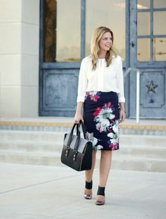 Because Shanna Said So. Office Fashion, Work Fashion, Skirt Fashion, Fashion News, Floral Pencil Skirt, Floral Skirts, Skirt Images, Business Chic, Spring Wear