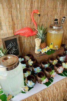 Hawaiian party drinks table - flamingo / luau by valarie Aloha Party, Hawaiian Party Drinks, Luau Theme Party, Hawaiian Party Decorations, Moana Birthday Party, Hawaiian Birthday, Luau Birthday, Tiki Party, Hawaiin Theme Party