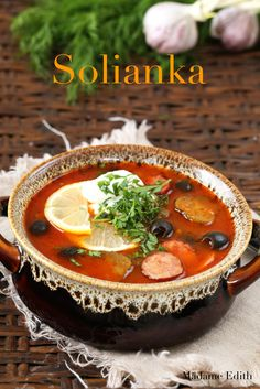 solianka Polish Christmas Traditions, Thai Red Curry, Ramen, Soup Recipes, Brunch, Food And Drink, Cooking, Ethnic Recipes, Russia