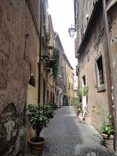 Tivoli streets - Meandering through the narrow town streets with the rustic coloured buildings