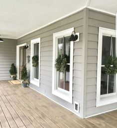 Do you need inspiration to make some DIY Farmhouse Front Porch Decorating Ideas in your Home? When you are trying to create your own unique Farmhouse Front Porch design, you will want to use ideas from those that are… Continue Reading → Best Exterior Paint, Design Exterior, House Paint Exterior, Exterior Paint Colors, Exterior House Colors, Paint Colors For Home, Paint Colours, Exterior Siding, Exterior Remodel