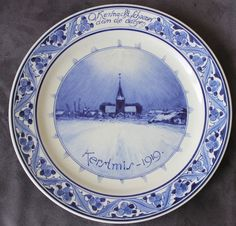 porceleyne fles kerstmis 1919 signed marked dutch pottery holland delft holland ~ antique 1919 porceleyne fles delft holland wall plate in perfect condition, no chips, cracks or restoration. signed marked on backside with factory trademark. it is 9.93 in diameter (25,2 cm). Plate is located in Rotterdam. Sold for $120.39 + $40 sh.