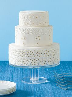 Pretty eyelet cake, still not feeling it for a wedding cake I don't think...
