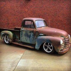 old trucks chevy Cars Vintage, Vintage Pickup Trucks, Classic Pickup Trucks, Ford Classic Cars, Gm Trucks, Cool Trucks, Cool Cars, Lifted Trucks, 54 Chevy Truck