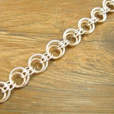 Eclipse Jump Ring Chain Instructions and Bulk Jump Ring Supplies from thebeadman.com - the Bead Man offering jump rings, kits and project instructions - Free Instructions