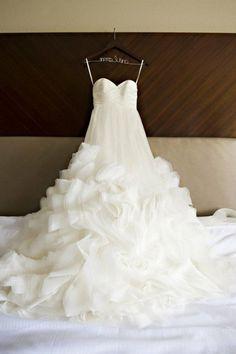 Beautiful Wedding Dresses : theBERRY