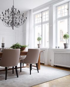 """""""We just love this room! Large wide windows letting the sunshine in. Amazing lamp from Flos ✨ Dining Area, Dining Bench, Dining Chairs, Windows, Curtains, Urban, Let It Be, Instagram Posts, Flats"""