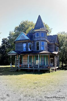 Kosse, Texas - Hearn Gidden House Built in the 1880's the house has been abandon but locals are working to raise money and restore it to its glory...