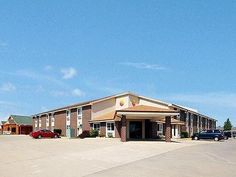 Maryville (MO) Comfort Inn United States, North America Comfort Inn is perfectly located for both business and leisure guests in Maryville (MO). The hotel offers a high standard of service and amenities to suit the individual needs of all travelers. Wi-Fi in public areas, car park, newspapers are just some of the facilities on offer. All rooms are designed and decorated to make guests feel right at home, and some rooms come with air conditioning, alarm clock, telephone, televi...