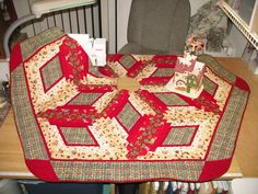Christmas Tree Skirt ~~ 112 Christmas Presents by QuiltinWaYnE, $100.00