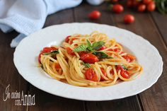 La pasta allo scarpariello è un primo piatto semplicissimo veloce e tanto gustoso,perfetto per tutta la famiglia conquista tutti al primo assaggio!