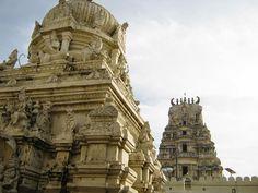 Sri+AprameyaSwamy+temple,+Channapatna+-+gopurams.jpg (1600×1200)