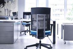 Seria Xenon to najpopularniejsze krzesła biurowe Profim. Dzięki nowoczesnej linii stylistycznej i niesamowitym walorom ergonomicznym stały się flagowym produktem producenta.