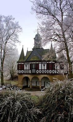 Popperöder Brunnenhaus ~ Mühlhausen, Thuringia, Germany