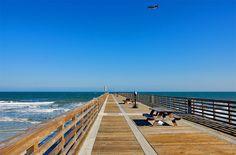 Jacksonville, Florida, USA - Jacksonville Fishing Pier at Jax Beach Vacation Places, Dream Vacations, Places To Travel, Florida City, Florida Beaches, Florida Usa, Jacksonville Beach Pier, Thats The Way, Beach Photography