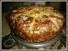 Greek Sweets, Greek Desserts, Greek Easter, Greek Cooking, Sweet Bread, Doughnuts, No Bake Cake, Biscuits, Cake Decorating