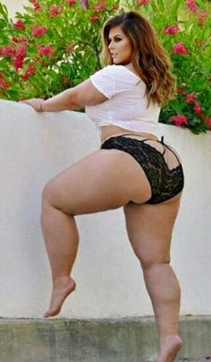 Sexy thick curvy pawg