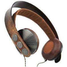 Kopfhörer mit Holz und Leder.