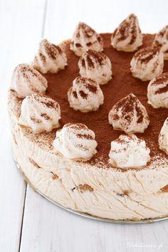 Coffee Meringue Ice Cream Cake with Amaretti Biscuits and Chocolate. Amaretti Biscuits, Ice Cake, Ice Cream Recipes, Meringue, Tiramisu, Camembert Cheese, Frozen, Cream Cake, Chocolate