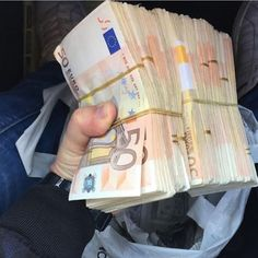 """""""Mi piace"""": 4,601, commenti: 49 - Money Kings (@money.kings) su Instagram: """"It's hard to stop someone who never gives up. """""""