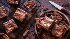 Πασχαλινό τραπέζι: Πανεύκολο και δροσερό μπισκοτογλυκό ψυγείου από την...   People & Style Ειδήσεις Gooey Chocolate Brownie Recipe, Brownie Low Carb, Chocolate Low Carb, Nutella Brownies, Homemade Chocolate, Brownie Recipes, Melting Chocolate, Cake Recipes, Chocolate Slice