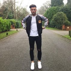 """1,954 Likes, 96 Comments - S A M M A R V I N (@schm91) on Instagram: """"Jacket/ Jeans: @boohoomanofficial Watch: @burtleybaines Kicks: @nike #LdnFashion - For promotional…"""""""