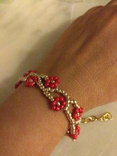 Βραχιόλι με χάντρες Beaded Jewelry, Jewellery, Bracelets, Jewels, Pearl Jewelry, Schmuck, Bracelet, Jewelry Shop, Arm Bracelets