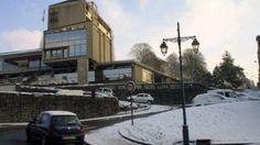 Vire ville blanche : beaucoup de neige mais peu de glissades Hotel de Ville, Normandy