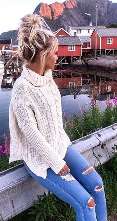 This looks like a fall dream! White Knit + Ripped Skinny Jeans