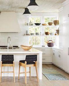 Kitchen Trend: Open Shelving in Front of WindowsBECKI OWENS