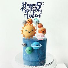 Whats your favorite planet? Cake by @thehare_sbh Follow @fondantlovers #galaxycake#galaxycakes#planetcake#planetcakes#universecake#galaxyparty#solarsystemcake#outerspacecake#astronautcake#astronautparty#planetparty#universeparty#galaxytheme#cutecake#cutecakescakes#yum