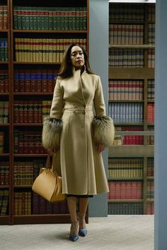 Gina Torres as Jessica Pearson -- Get premium, high resolution news photos at Getty Images Gina Torres, Lawyer Fashion, Office Fashion, Work Fashion, 2000s Fashion, Fashion Tips, Suits Tv Series, Suits Tv Shows, Business Attire