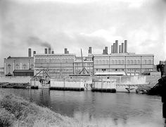 A large housing development is to be built on the site of the former Dalmarnock Power Station in the east end of Glasgow. Power To The People, Willis Tower, Glasgow, New York Skyline, House Plans, How To Plan, Bobs, Travel, Image