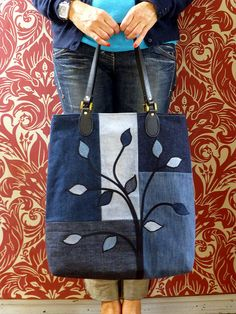 So this is denim bag no.3!   I took inspiration for this bag from here , and it was actually the first one I made of the set of 3 !   S...