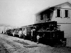 Fotos de la antigua locomotora de vapor Cail que anteriormente perteneció a la Comapñia de los Ferrocarriles de Puerto Rico / Photos of an old Cail steam locomotive that was once part of the fleet of Compañia de los Ferrocarriles de Puerto Rico.
