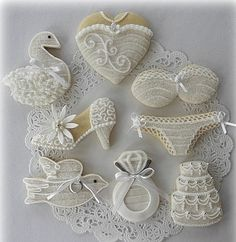 cookies for bridal shower Fancy Cookies, Iced Cookies, Cute Cookies, Royal Icing Cookies, Sugar Cookies, Owl Cookies, Cookie Icing, Cookie Cutters, Wedding Shower Cookies