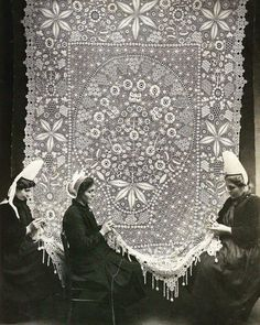 New Mods, Lacemaking, Always Learning, Historical Pictures, Archaeology, Old Photos, Art History, Veil, Tapestry
