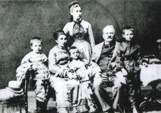 Poză de familie a familiei Şciusev | Chisinau, orasul meu