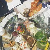 Zo wil ik elke dag wel high tea en❤❤ #yogurtbarn with @missmandyk007