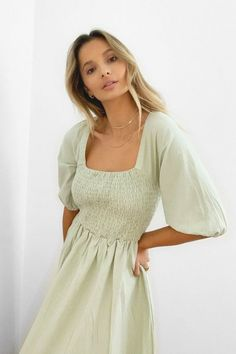 Maxi Dress With Sleeves, Short Sleeve Dresses, Nasty Gal, Mannequin, Pretty Dresses, Cute Simple Dresses, Spring Outfits, Outfit Summer, Cute Outfits