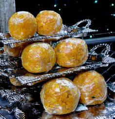 Awesome boondi ladoo at Hamidi Confectioners in Old City, Hyderabad