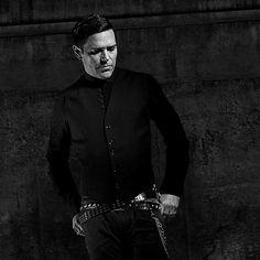 🖤🖤🖤 #Rammstein #RZK #richardkruspe #emigrate #richardzkruspe #richard #kruspe #guitar #industrialmetal Richard Z Kruspe, Metalhead, Rock Bands, My Dream, Husband, Artists, Fictional Characters, Fire, Heart